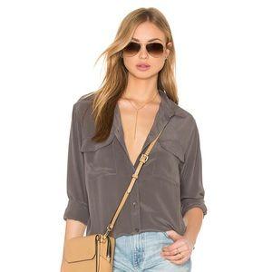 Equipment slim signature silk blouse